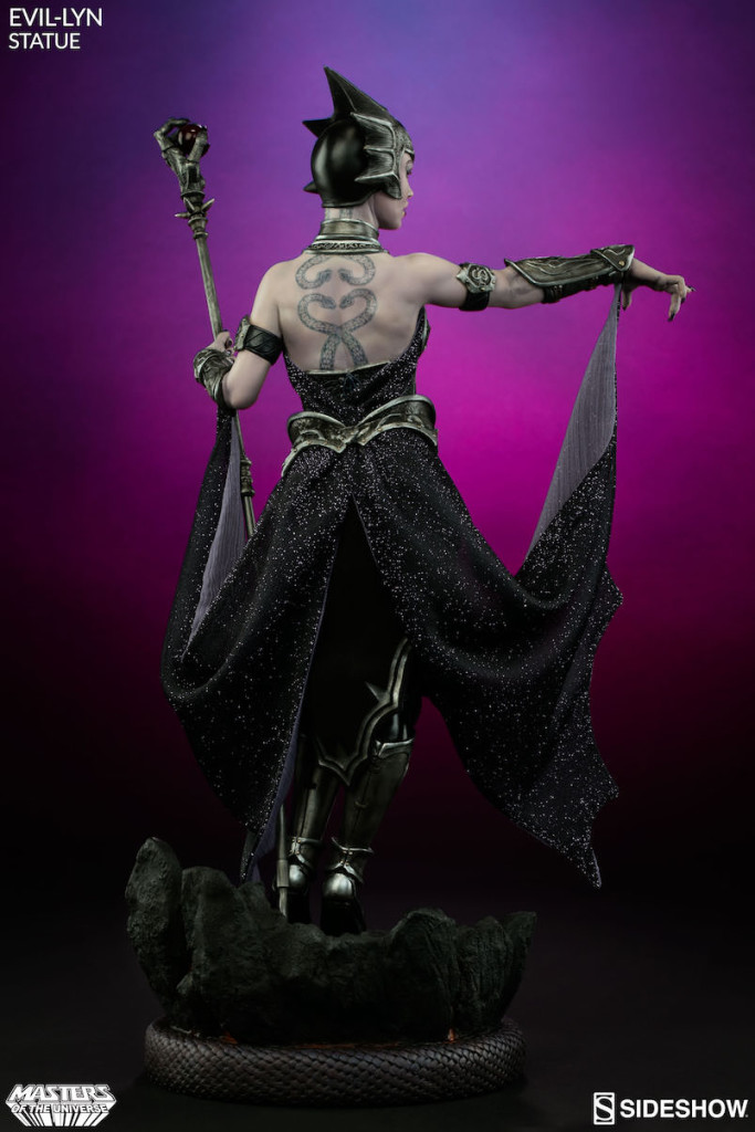 masters-of-the-universe-evil-lyn-statue-3