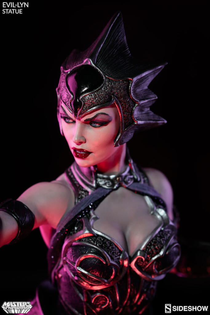 masters-of-the-universe-evil-lyn-statue-4