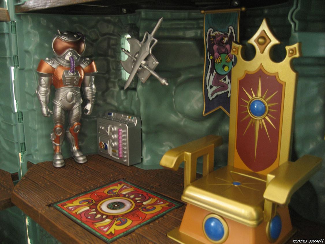 Castle-Grayskull-throne