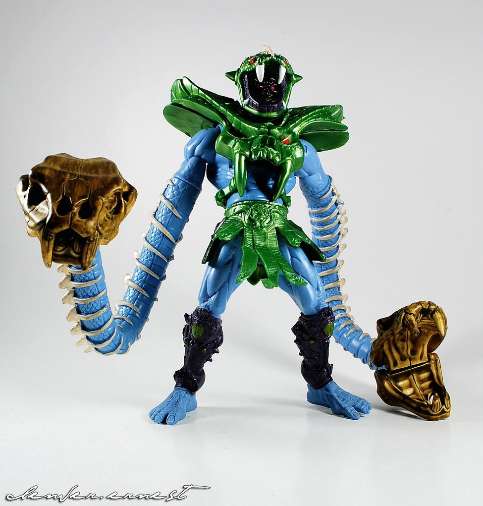 Snake Crush Skeletor 1