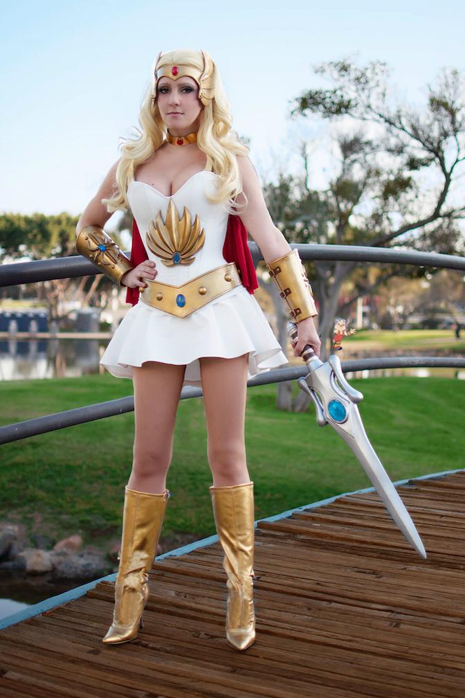 Cosplay: Raychul Moore as She-Ra - Hemanworld Forums